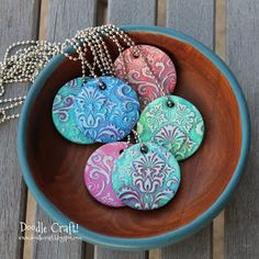 Damask Polymer Clay Pendants made with Sculpey Easy+Polymer+Clay+Charms Polymer Clay Kunst, Easy Polymer Clay, Polymer Clay Pendant, Fimo Clay, Polymer Clay Projects, Polymer Clay Charms, Polymer Clay Creations, Polymer Clay Jewelry, Clay Crafts