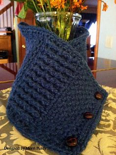 How about a nice cozy neck-warmer for the men in your life? This neck warmer is appropriate for either sex, however, the front and back post double crochet stitches adds a very masculine element to this piece.