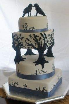 tree / bird cake birds are a bit creepy,but the rest is beautiful..for outdoor wedding