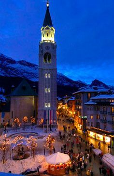 Cortina d'Ampezzo at night