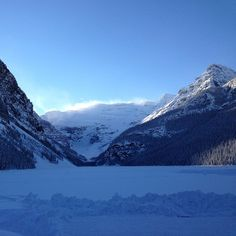Lake Louise in minus 30 degrees weather - have been here when it looks like this - so incrediable - take me back Lake Louise Ski Resort, Mountain Resort, 30 Degrees, Alberta Canada, Banff, Beautiful Scenery, Winter Wonderland, Places To Travel, Awesome