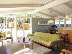 Yes, please | Mid-century modern Nice colouring.