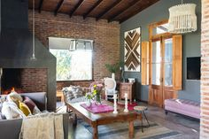 Majo, her husband, their daughter, and three rescued dogs share this large home in a small town near Buenos Aires. Purple Bohemian Bedroom, Bohemian House, Bohemian Decor, Bohemian Headboard, Large Dog House, Rustic Apartment, Home Budget, Home Decor Inspiration, Decor Ideas