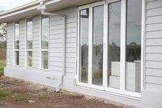 Dulux Exterior Paint Colours, House Exterior Color Schemes, White Exterior Houses, Grey Exterior, House Paint Exterior, Exterior Colors, Dulux Paint, Light Gray Paint, Grey Paint