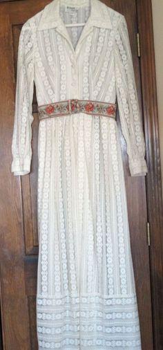 Ivory,  lace long dress - size 12 (see measurements -runs small) VINTAGE #JOHNCaliforniaVintage #ShirtDressFloorLength #Formal