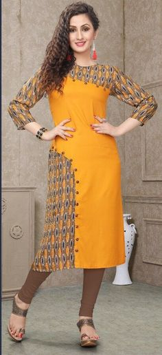 A pocket on the hip side,near buttons New Kurti Designs, Printed Kurti Designs, Simple Kurti Designs, Kurta Designs Women, Salwar Designs, Kurti Designs Party Wear, Kurti Sleeves Design, Kurta Neck Design, Dress Neck Designs