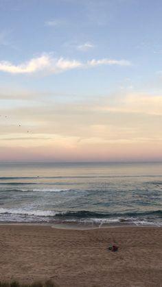 Beautiful Sky, Beautiful Beaches, Beautiful Landscapes, Beautiful World, Ocean Wallpaper, Wallpaper Backgrounds, Imagen Natural, Sky Aesthetic, Beach Trip