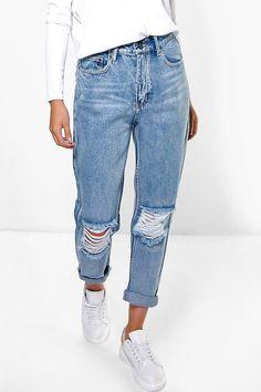 Light Blue Open Knee Boyfriend Jeans - boohoo, denim, jeans, how to wear jeans, how to wear denim Outfit Jeans, Cute Ripped Jeans, Mode Jeans, White Skinny Jeans, Casual Jeans, Denim Pants, Boohoo Jeans, Ripped Knees, Feminine Fashion
