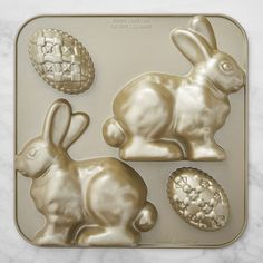 This cool new Nordic Ware Easter Bunny Cake Pan helps you create an amazing, show-stopper of a cake. Cake Baking Pans, Wilton Cake Pans, Cake Mold, Easter Bunny Cake, Easter Egg Dye, Easter Cookie Cutters, Easter Cookies, New Nordic, Nordic Ware