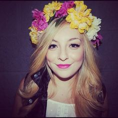 flower crown and leather and NARS in Schiap #flowercrown #floralcrown #streetstyle #makeup #brightlip #boldlip