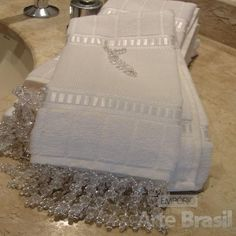 toalhas com apliques em pedrarias - Pesquisa Google