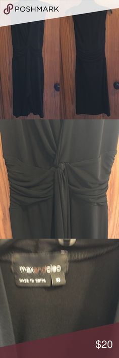 Max & Cleo jersey knot LBD EUC XS This great Max & Cleo dress has an adorable knot in the front that can also tie in back. Super cute and comfy with tights or sandals, perfect for any weather! EUC XS Max & Cleo Dresses Midi