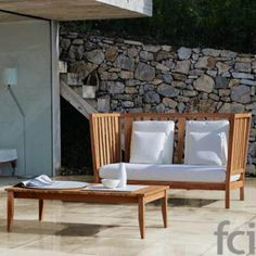 York teak sofa with high back and cushion for the seat with removable cover Tempotest White.