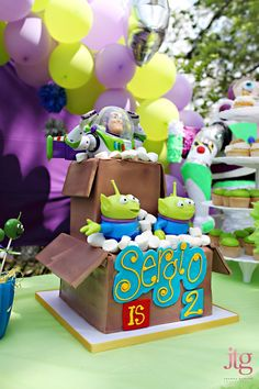 2 Infinity and Beyond Birthday Party // Fiesta de Toy Story Toy Story Theme, Toy Story Birthday, Toy Story Party, Cumple Toy Story, Festa Toy Story, 3rd Birthday Parties, Kid Parties, 2nd Birthday, Birthday Ideas