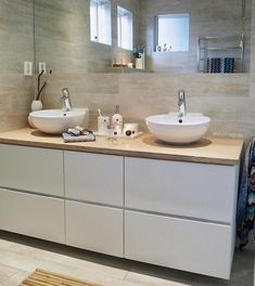 Stuning Scandinavian Bathroom Ideas You Will Totally Love - Page 19 of 47 Big Bathrooms, Small Bathroom, Bathroom Ideas, Translucent Glass, Scandinavian Bathroom, Brick Patterns, Glass Shower, Stone Tiles, Floor Space