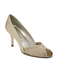 """super classy, low heel $375 Stuart Weitzman """"Chantelle"""" pump (uh, maybe they'll have these at the outlet...?)"""