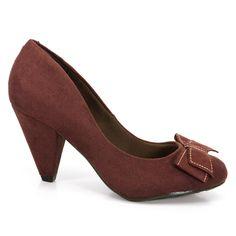 3824d445de Sapato Salto Medio Feminino Beira Rio confeccionado em material alternativo  tipo camurça.O modelo é ideal para o ambiente de trabalho além de conforto  e ...