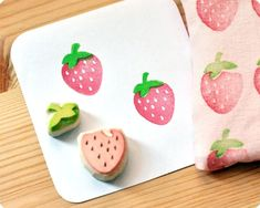 Strawberry hand carved rubber stamps set of 2 door MemiTheRainbow Stencil, Eraser Stamp, Diy And Crafts, Paper Crafts, Fabric Stamping, Rubber Stamping, Stamp Carving, Stamp Printing, Fabric Printing
