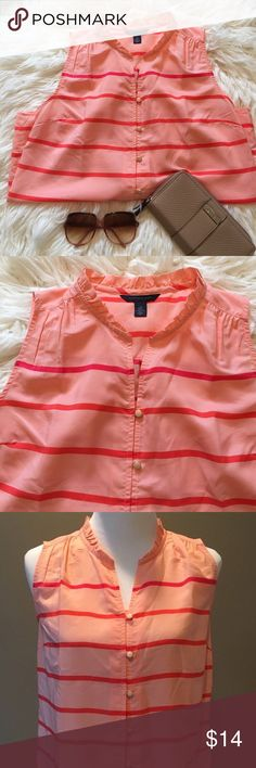 Tommy Hilfiger Striped Top! Tommy Hilfiger Sleeveless Striped Blouse Size Small Ruffle Collar Polyester Button Down Tommy Hilfiger Tops