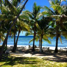 Lunching on the beach! Vomo Island Resort, Fiji  www.islandescapes.com.au