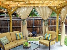 Outdoor burlap curtains for pergola. Would look better if the pergola were painted white. Diy Pergola, Pergola Curtains, Pergola Swing, Burlap Curtains, Outdoor Curtains, Outdoor Rooms, Gazebo, Outdoor Living, Outdoor Decor