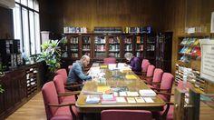 Vista general Sala de lectura y área de revistas