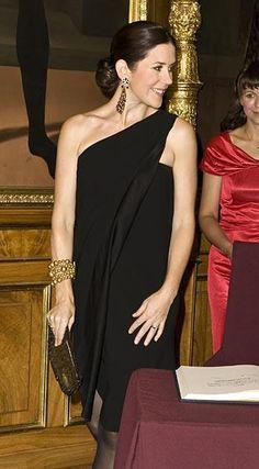 stylish pregnant Crown Princess Mary of Denmark