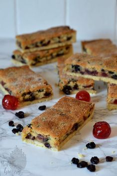 Paradise Slice - Baking with Granny Baking Recipes Uk, Tray Bake Recipes, My Recipes, Sweet Recipes, Cookie Recipes, Dessert Recipes, Favorite Recipes, Lemon Recipes, Biscuits