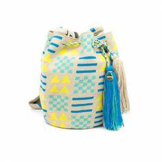 SOTTSASS - Amarillo & Azul Tapestry Bag, Tapestry Crochet, Yarn Projects, Mandala Art, Bucket Bag, Purses And Bags, Crochet Bags, Macrame, Deco