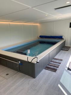 Endless pool rooms from Bakers Timber can be a healthy feature for your garden, with all-year flexibility and beautiful tranquillity. Endless Swimming Pool, Garden Swimming Pool, Natural Swimming Pools, Swimming Pools Backyard, Endless Pools, Indoor Pools, Home Spa Room, Spa Rooms, Wet Room Flooring