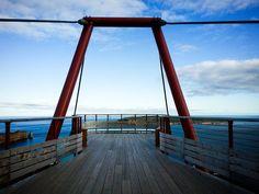 30 activités que tu dois faire en Gaspésie, pour faire changement du Rocher Percé - Narcity Laurent, Trips, Traveling, Scrapbook, Canada Travel, Rock Cakes, Change Management, Stockings, Travel