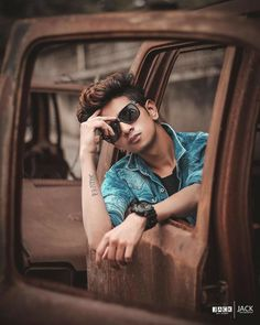 Viral Photo editing of june 2019 - Tutorial Photoshop cc Portrait Photography Poses, Man Photography, Portraits, Photo Pose For Man, Poses Photo, Best Poses For Men, Good Poses, Mens Photoshoot Poses, Photoshoot Ideas