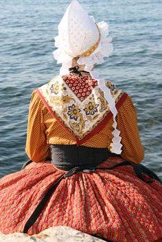 Photo costume traditionnel provençal