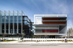 Campus Repsol / Rafael de La-Hoz