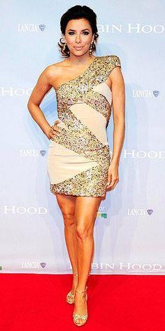 Para as fotos de Cannes não ficarem repetitivas separei em 2 posts, este primeiro com os melhores momentos de vestidos curtos e o próximo de vestidos longos. Só não coloquei as fotos dos vestidos que postei na sexta… Não adianta que a Camilla Belle e a Kate Beckinsale sempre estão na minha lista!!!