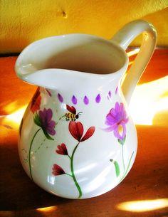 Vase or a jug?
