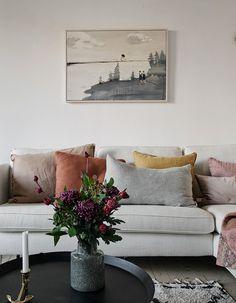 Stylish home with warm details. Beige Living RoomsLiving Room ... & 18 Best living room cushions. images | Throw pillows Crafts Handarbeit