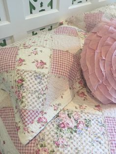53 best shabby chic coverlets bedspreads images bed covers rh pinterest com