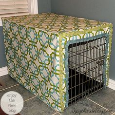 19 ideas diy dog crate cover tutorial for 2019 Dog Crate Cover, Diy Dog Crate, Dog Kennel Cover, Diy Dog Kennel, Dog Kennels, Crate Bed, Kennel Ideas, Large Dog Crate, Puppy Care