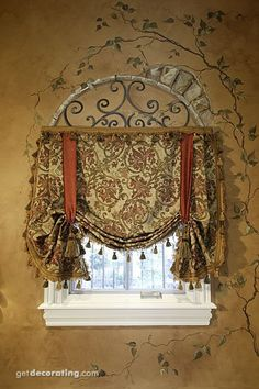 Tuscan Decor, window coverings & faux wall with stencil Bathroom Window Treatments, Bathroom Windows, Rideaux Design, Faux Walls, Textured Walls, Tuscan House, Tuscan Decorating, Window Decorating, Faux Painting