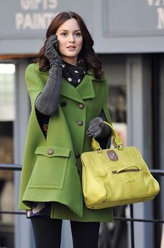 Snapped onto Coats & Jackets Collection in Fashion Category Blair Waldorf – Gossip Girl – green cape coat – . Gossip Girl Blair, Gossip Girls, Moda Gossip Girl, Estilo Gossip Girl, Blair Waldorf Gossip Girl, Gossip Girl Outfits, Gossip Girl Fashion, Blair Waldorf Outfits, Blair Waldorf Stil