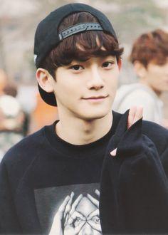 Chen exo finally found some good pics- peace bro