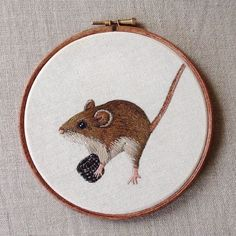 Hi guys! Just finished this little guy earlier today! It's a little dormouse and his blackberry :) This one is a hoop and didn't take me too long either!as long as usual anyway, haha :) Hipster Design, Silk Ribbon Embroidery, Hand Embroidery Designs, Embroidery Hoops, Grunge, Thread Painting, Cat Crafts, Couture, Cat Art