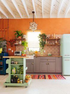Justina Blakeneys New Jungalow HQ is So Droolworthy- photos- Dabito- via design addict mom Küchen Design, House Design, Interior Design, Design Ideas, Kitchen Interior, New Kitchen, Kitchen Ideas, Crazy Kitchen, Studio Kitchen