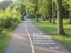 Quel chemin suivre ? Il y en a plusieurs, mais un seul nous mène au Père et c'est Jésus qu'il faut suivre!     Il est le chemin, la vérité et la vie !  Pourquoi chercher Dieu autrement que par Lui?