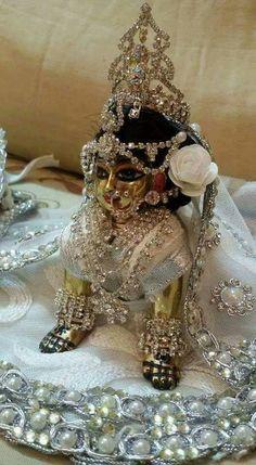Radha Krishna Holi, Krishna Flute, Krishna Lila, Krishna Statue, Cute Krishna, Radha Rani, Lord Krishna Images, Radha Krishna Pictures, Krishna Photos