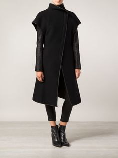 Gareth Pugh Contrasting Coat - Anastasia Boutique - Farfetch.com