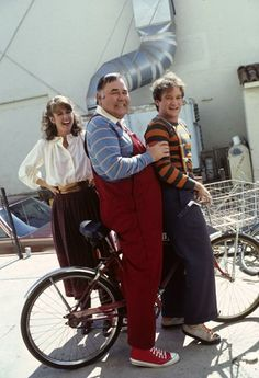 Pam Dawber, Jonathan Winters, and Robin Williams ~ 'Mork and Mindy' (1978-1982)