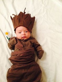 If your baby wasn't flawless enough, now add superpowers to the mix. This Guardians of the Galaxy costume is so simple to make.