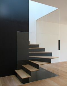 like the bent steel (?) with wood treads overlaid....think the glass balustrading could be executed better